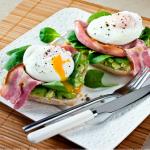 Hearty_Bacon_Avocado_Breakfast
